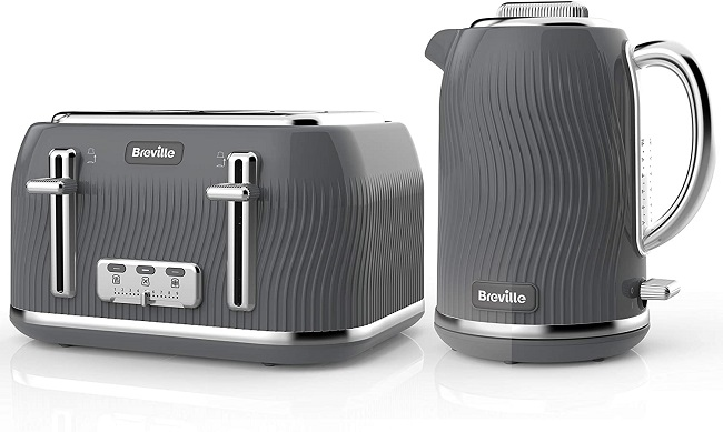 Matching kettle and toaster set | in