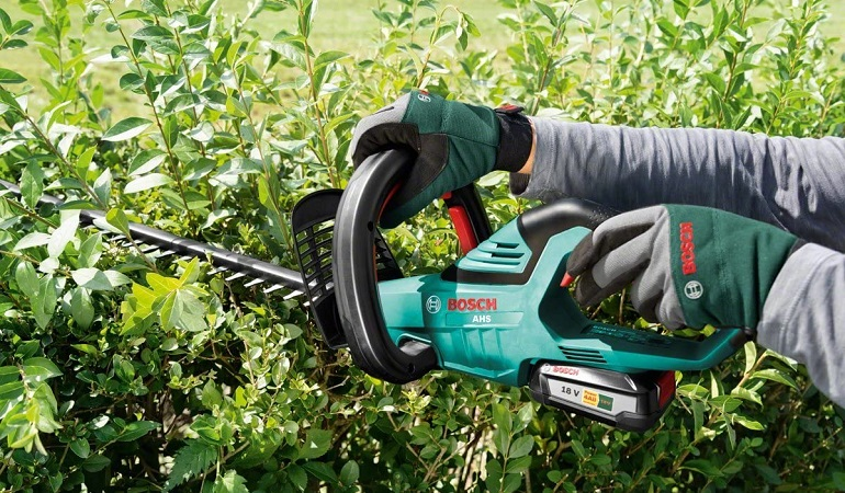 top cordless hedge trimmer pick