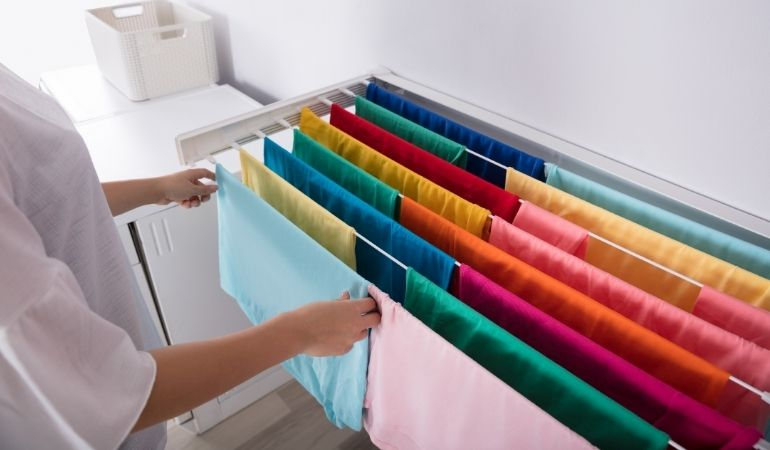 drying cloths indoors